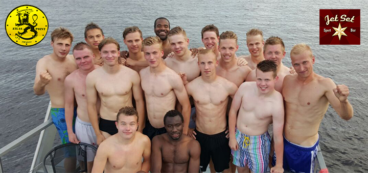 Edustusjoukkue virkistäytyi saunalautalla